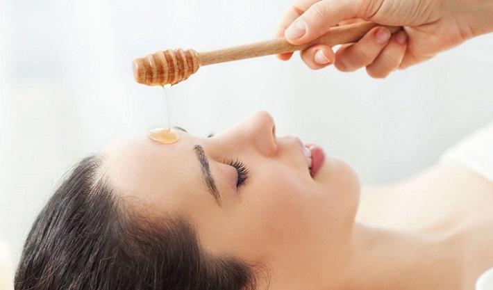 Trị thâm sẹo bằng mật ong nguyên chất