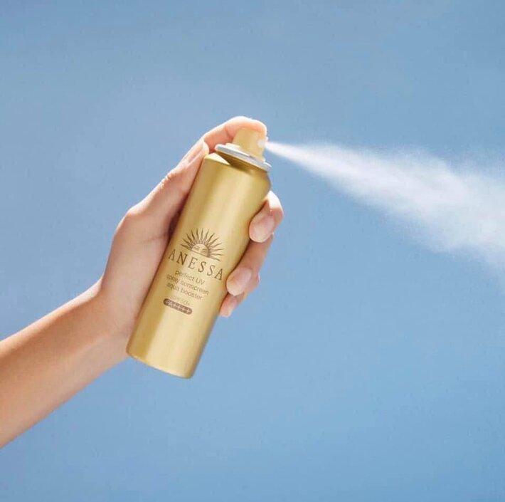 kem chống nắng Anessa Perfect UV Sunscreen Skincare Spray SPF 50+ PA++++